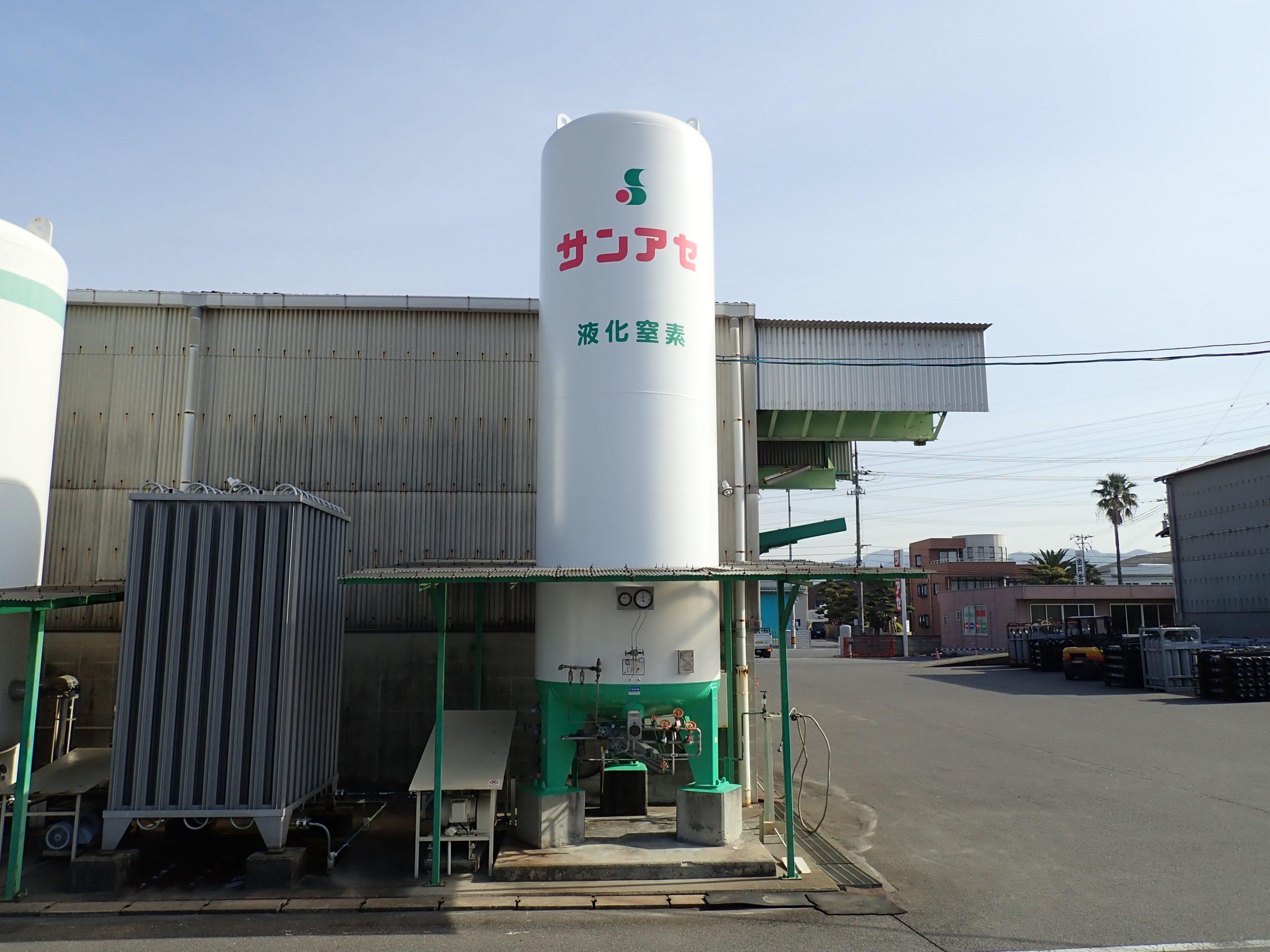 液化酸素タンク